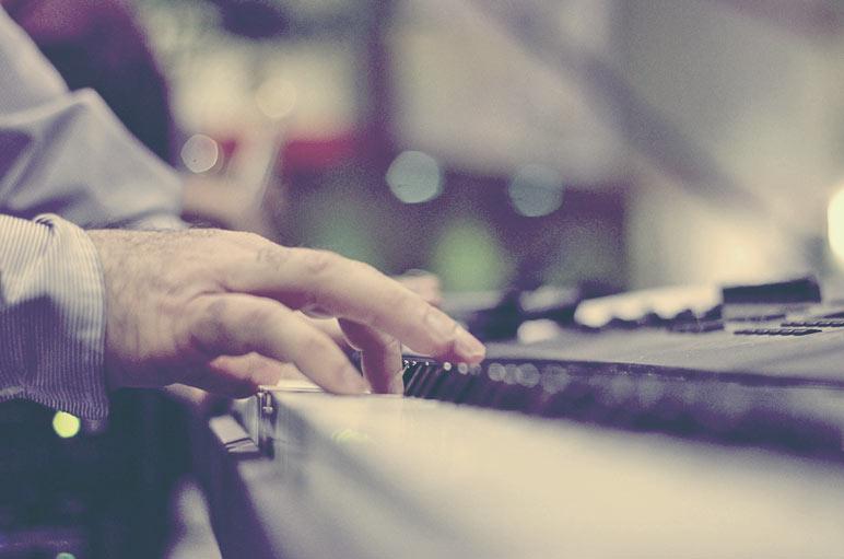 tocar teclado corretamente