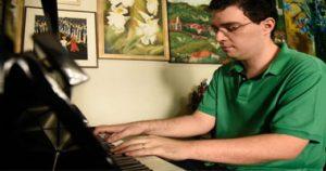 história piano no Brasil