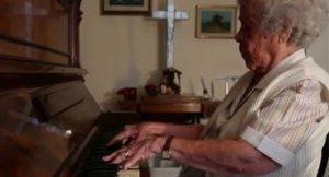 Depois de 105 anos dedicado ao piano, morre Edna Viera Pimental