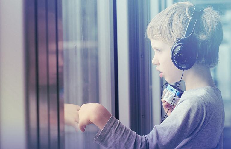 A música como estímulo para crianças com autismo