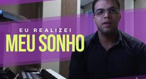 Me ajudou muito na realização desse sonho de conseguir tocar piano!