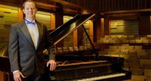 Pianista Paulo Steinberg lança álbum com sucessos do Brasil