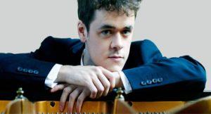 Pianista revelação Benjamin Grosvenor apresentou-se ao Rio