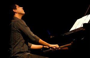 Festival de Literatura de Paraty será aberto com André Mehmari ao piano