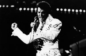 Leilão de piano de Elvis Presley marca os 40 anos de sua morte