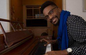 Pianista Jonathan Ferr: Recebe doação de piano
